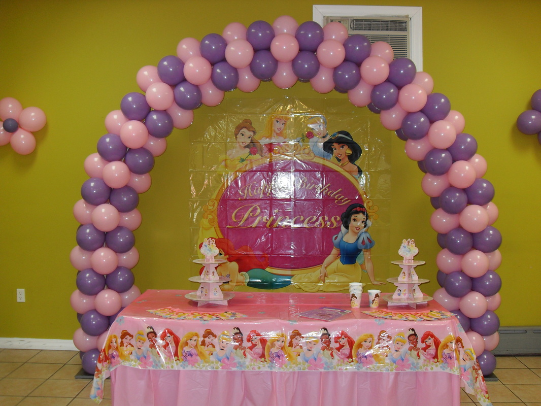 LILAC & PINK ARCH - PARTY DECORATIONS BY TERESA