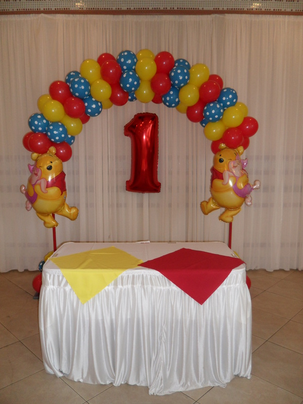 WINNIE THE POOH 2 PARTY DECORATIONS BY TERESA
